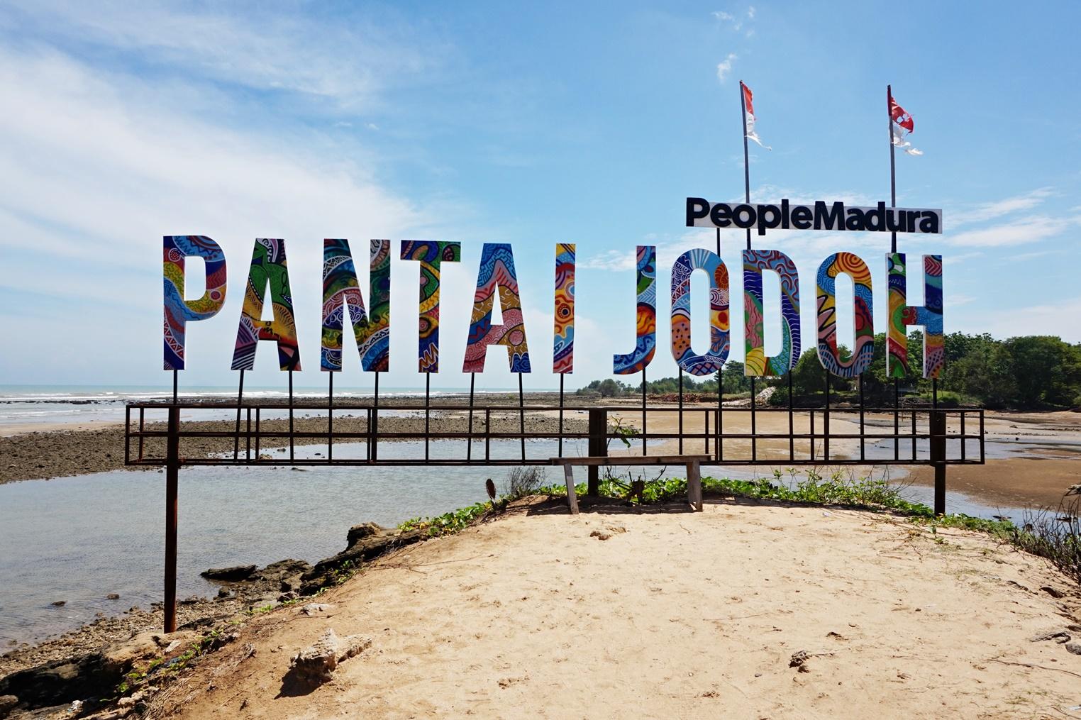 Pantai Jodoh, Sampang Madura   Swastikha.com