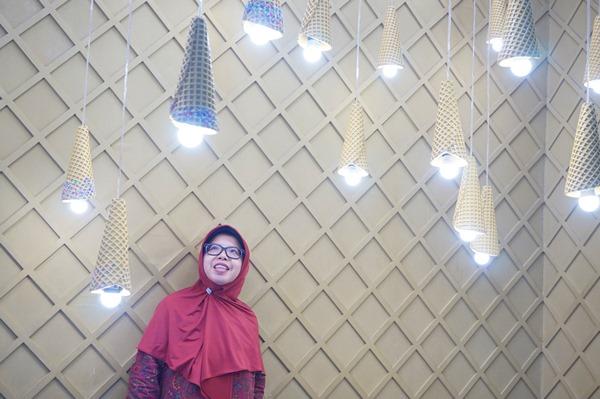 ice cream world jatim park 3, selfie, swafoto di ice cream world jatim park 3, woman with hijab
